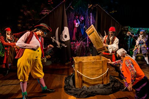 magico ilusionista lucas palco escapismo teatro